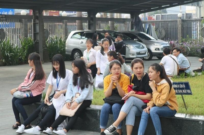 Sinh viên luật hào hứng tham gia ngày hội hướng nghiệp - ảnh 2