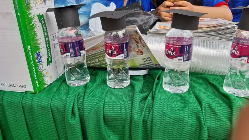 Ninh Thuận điều xe hỗ trợ thí sinh xa nhà  - ảnh 7