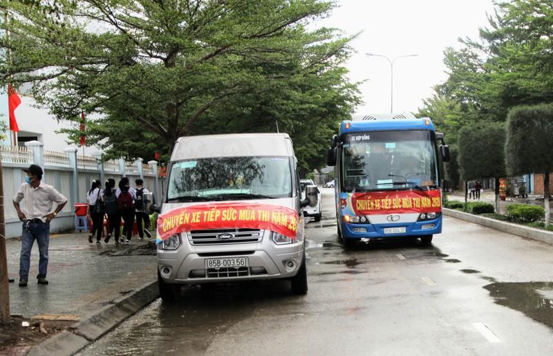 Ninh Thuận điều xe hỗ trợ thí sinh xa nhà  - ảnh 1