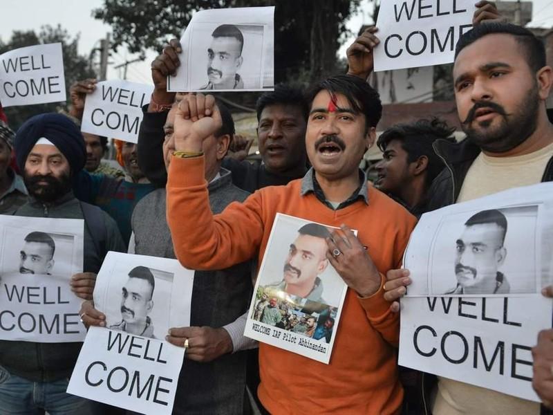 Pakistan tuyên bố thả phi công bị bắn rơi, Ấn Độ hoan nghênh - ảnh 1