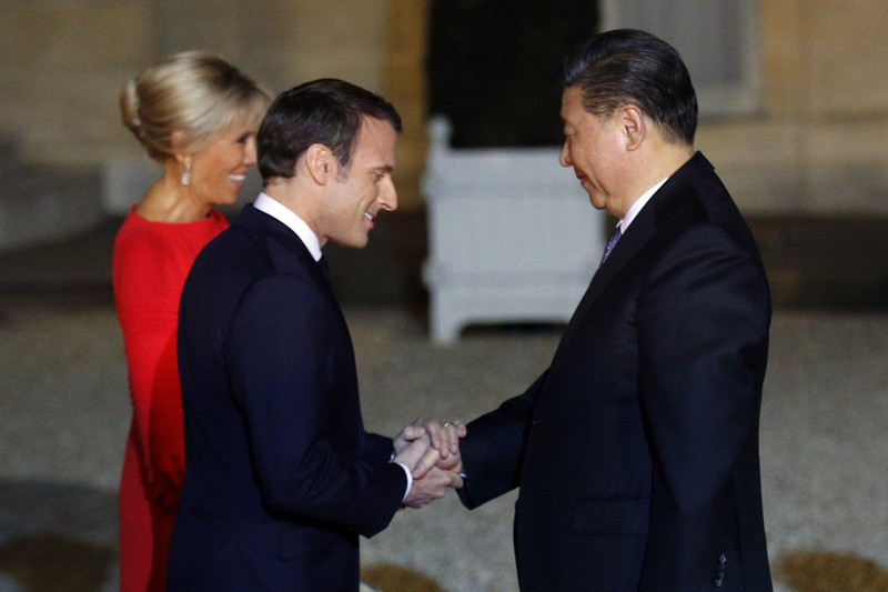 Chủ tịch Trung Quốc thăm Pháp, ký kết mua máy bay Airbus - ảnh 1