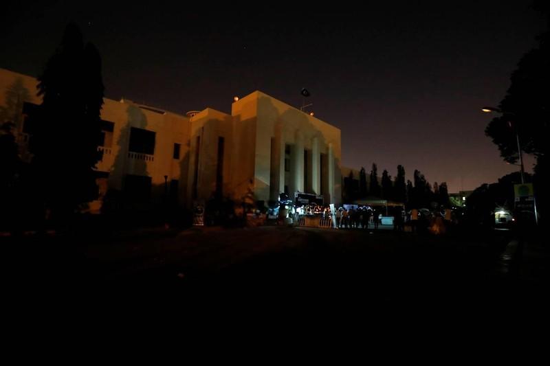 Tòa nhà Quốc hội Pakistan tắt đèn trong giờ Trái đất. Ảnh: REUTERS 2