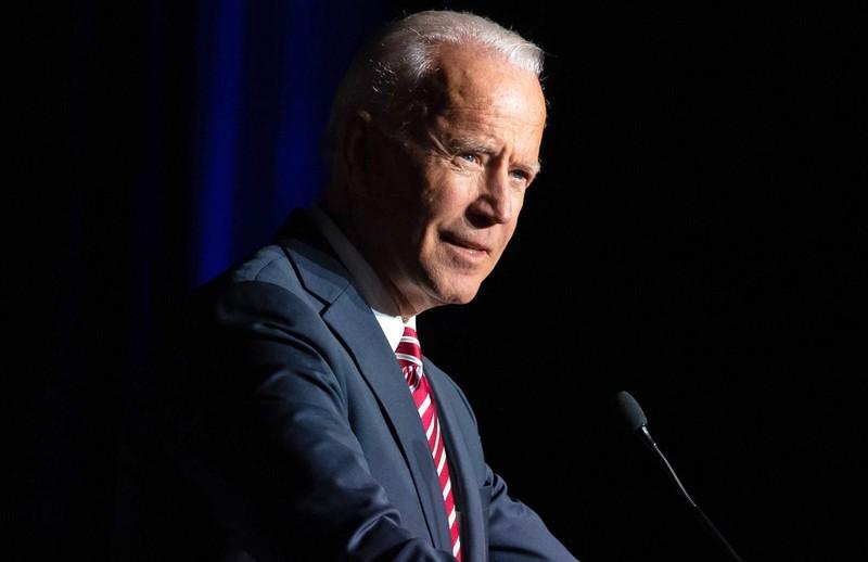 Cựu Phó tổng thống Joe Biden đăng video xin lỗi - ảnh 1