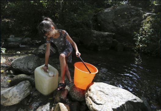 Venezuela: Công viên quốc gia thành nhà tắm công cộng - ảnh 6