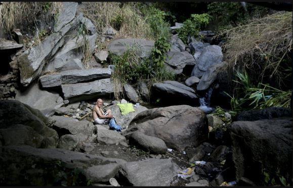 Venezuela: Công viên quốc gia thành nhà tắm công cộng - ảnh 2