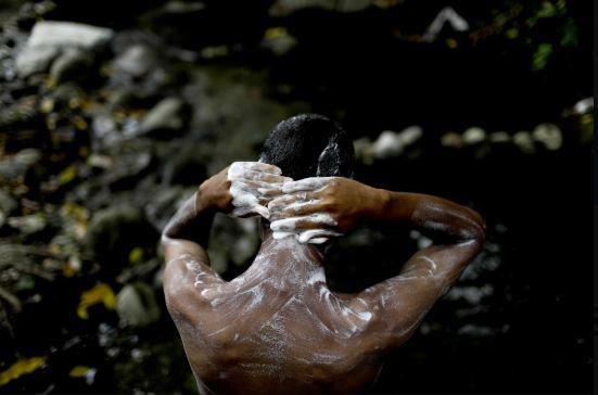 Venezuela: Công viên quốc gia thành nhà tắm công cộng - ảnh 7