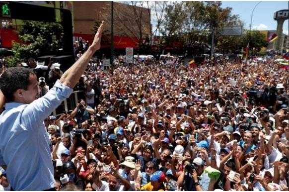 Người dân Venezuela biểu tình đòi điện và nước sinh hoạt - ảnh 1