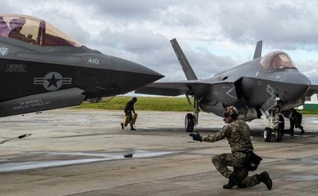 Nhật, Mỹ dốc sức tìm máy bay bị rơi, bảo vệ 'bí mật vô song' - ảnh 1