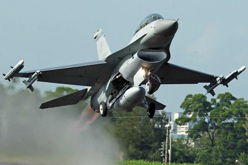 Mỹ bán gói huấn luyện phi công hàng triệu USD cho Đài Loan - ảnh 1