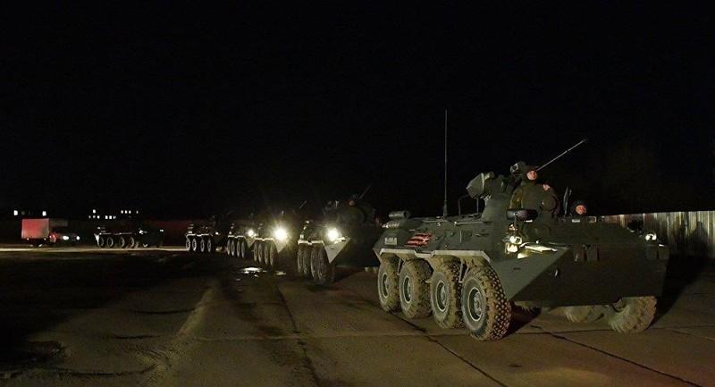 Cận cảnh dàn xe chở vũ khí hùng hậu cho lễ duyệt binh ở Nga   - ảnh 2
