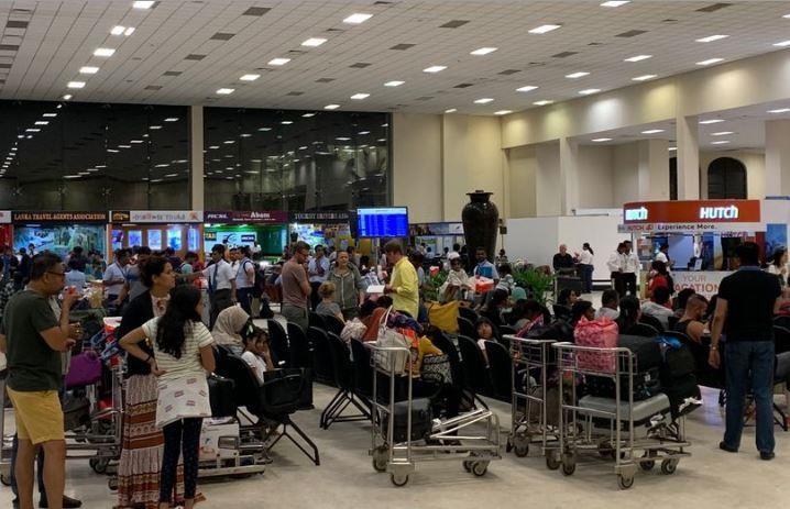 Tìm thấy quả bom chưa kịp phát nổ tại sân bay Sri Lanka - ảnh 2