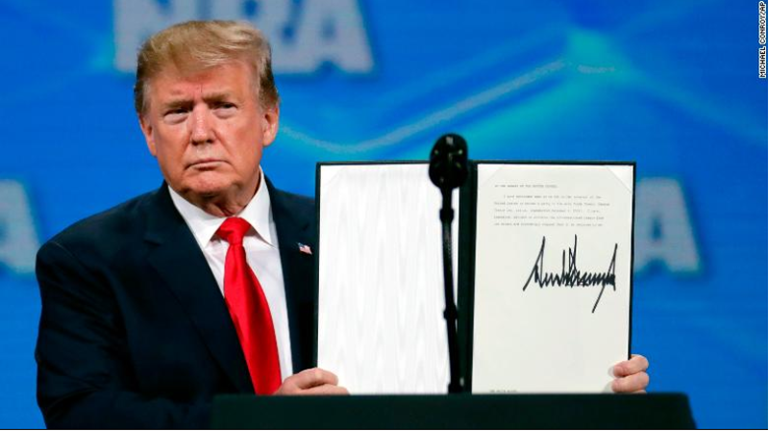 Mỹ rút khỏi hiệp ước thương mại vũ khí của Liên Hiệp Quốc - ảnh 1
