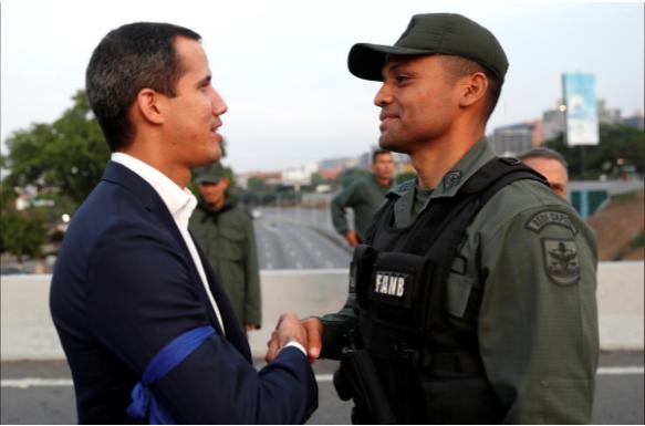 Venezuela: Quân đội về phe ai? - ảnh 1