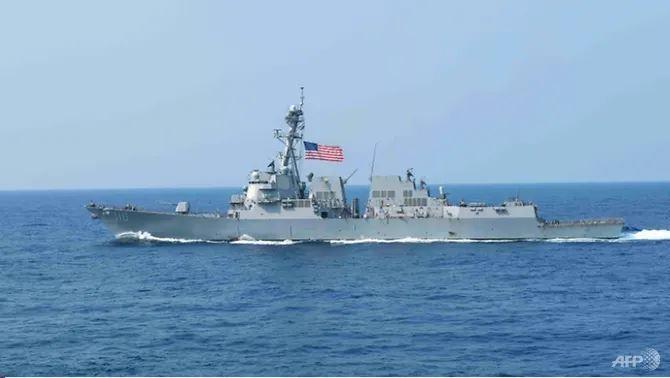 Tàu chiến Mỹ xuất hiện trên Biển Đông, thách thức Trung Quốc - ảnh 2