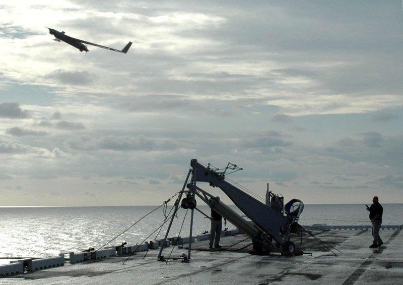 Biển Đông: Mua máy bay không người lái đối phó Trung Quốc - ảnh 1