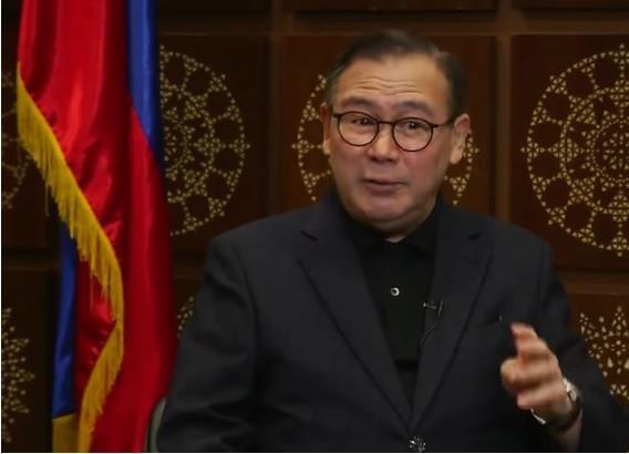 Ngoại trưởng Philipines lên án tàu Trung Quốc 'đáng khinh bỉ' - ảnh 1