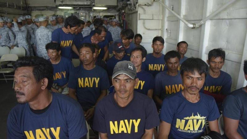 Bác lời TQ, Philippines nói 'Tàu VN cứu ngư dân chúng tôi' - ảnh 1