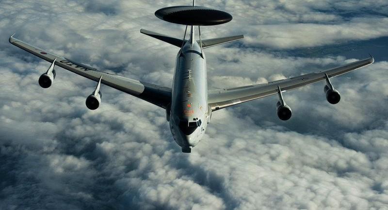 Ecuador cho không quân Mỹ 'đậu nhờ' trong sân bay? - ảnh 1