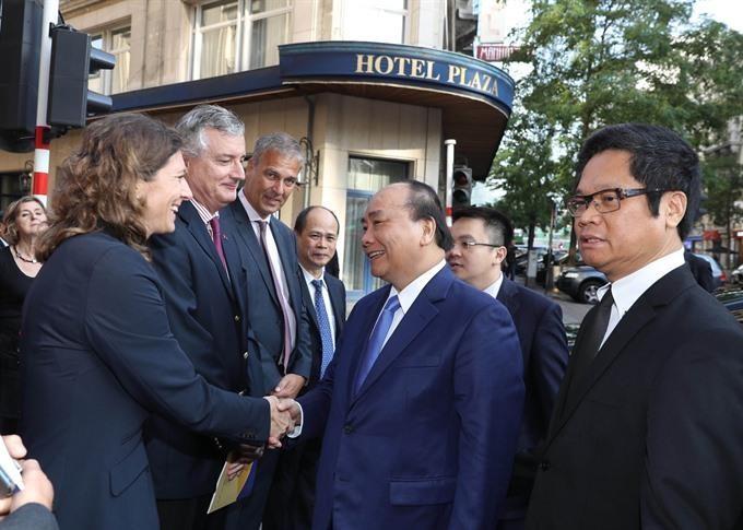 Việt Nam chuẩn bị ký hiệp định thương mại tự do với EU - ảnh 1