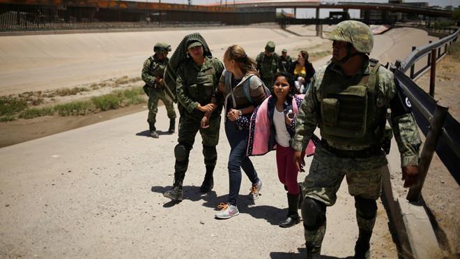 Mexico điều gần 15.000 binh sĩ đối phó người di cư - ảnh 1