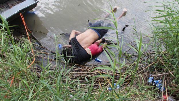 Bức ảnh người di cư chết đuối khiến chính trường Mỹ dậy sóng - ảnh 1