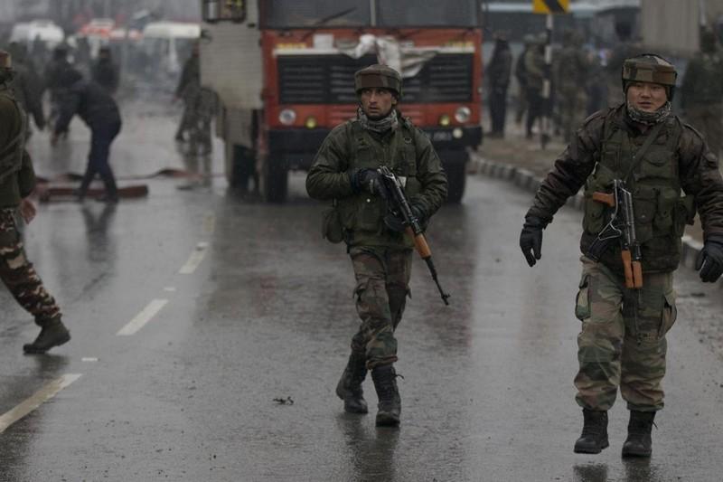 Ấn Độ và Pakistan lại đấu súng ác liệt ở Kashmir  - ảnh 1
