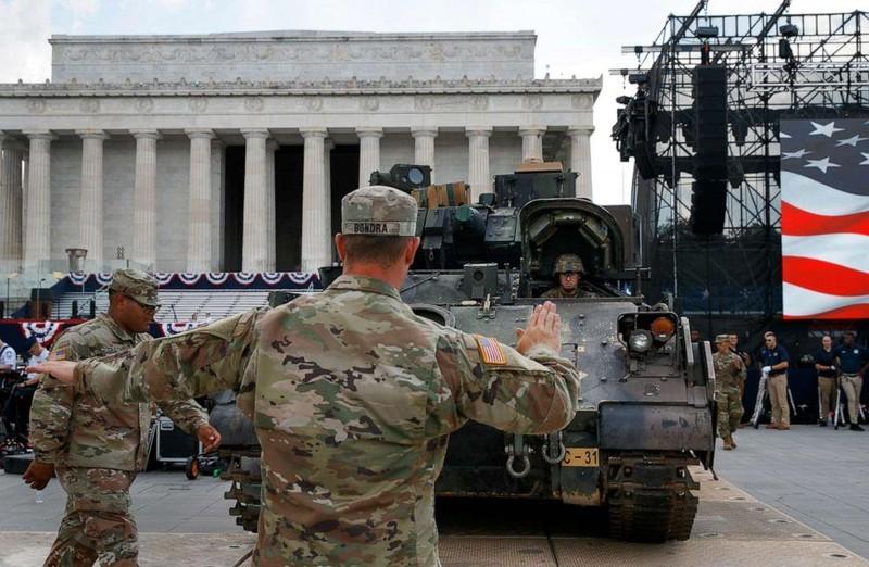 Mỹ chi hơn 1 triệu USD cho màn phô diễn sức mạnh quân sự - ảnh 1