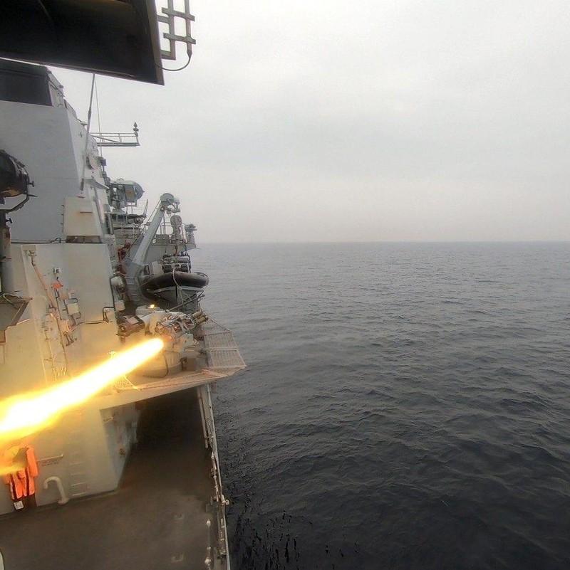 Anh thử nghiệm tên lửa tấn công tàu nhỏ giữa căng thẳng Iran - ảnh 1