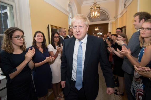 Tân thủ tướng Anh hứa tăng cường lực lượng cảnh sát - ảnh 1