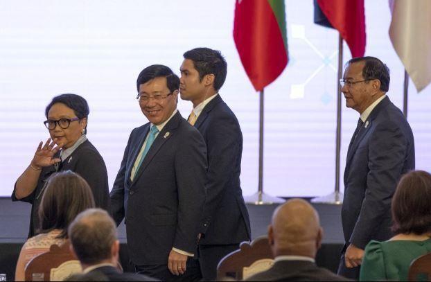 Vấn đề Biển Đông nóng tại Hội nghị Bộ trưởng Ngoại giao ASEAN - ảnh 1