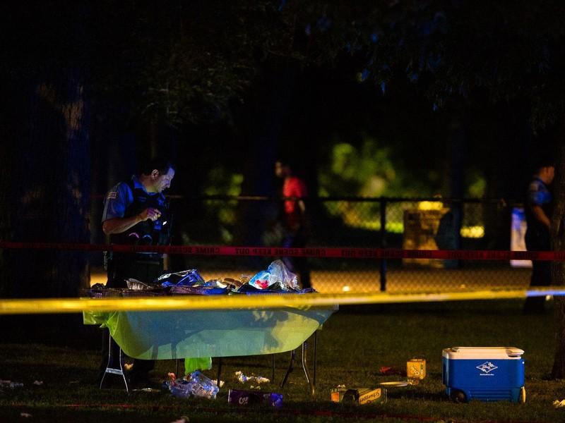 Xả súng liên hoàn ở Chicago: 4 người chết, 43 người bị thương - ảnh 1