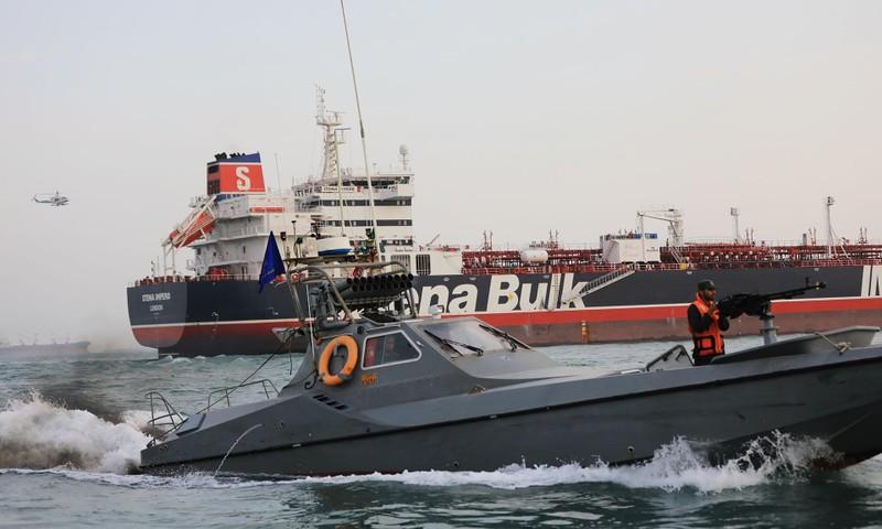 Iran tuyên bố bắt giữ tàu chở dầu thứ ba - ảnh 2
