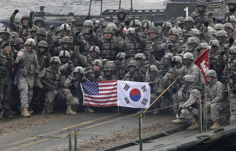 Ông Trump lại yêu cầu Hàn Quốc chi thêm tiền hỗ trợ quốc phòng - ảnh 1