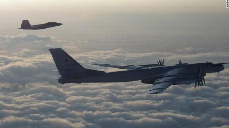 Mỹ-Canada chặn máy bay ném bom của Nga gần Alaska - ảnh 1