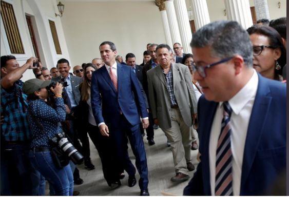 Đồng minh ông Maduro cân nhắc việc tổ chức bầu cử tổng thống - ảnh 1
