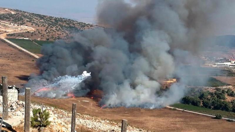 Israel và Hezbollah không kích dữ dội gần biên giới Lebanon - ảnh 2