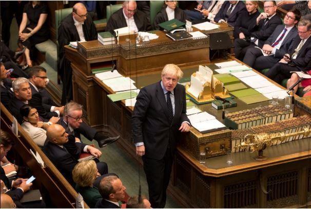 Thủ tướng Anh gặp thất bại đầu tiên, kêu gọi tổng tuyển cử - ảnh 1