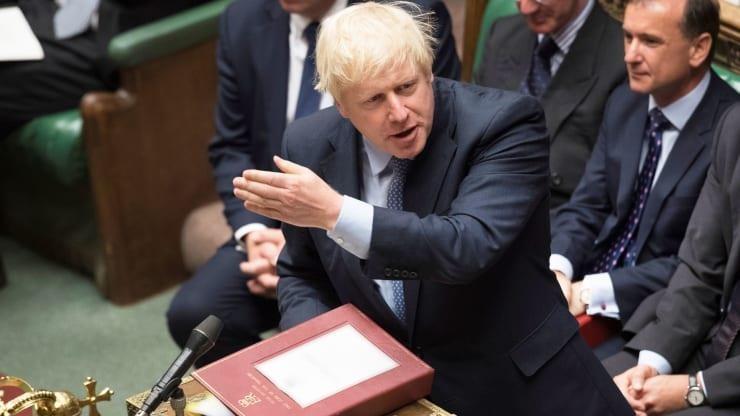 Thủ tướng Anh: Thà 'chiến đấu đến cùng' chứ không hoãn Brexit  - ảnh 1