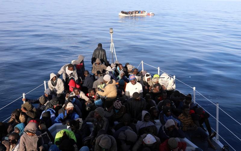 Libya giải cứu gần 500 người di cư gần Tripoli - ảnh 1