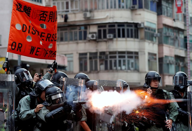 Lãnh đạo Hong Kong lần đầu đối thoại với người biểu tình - ảnh 2