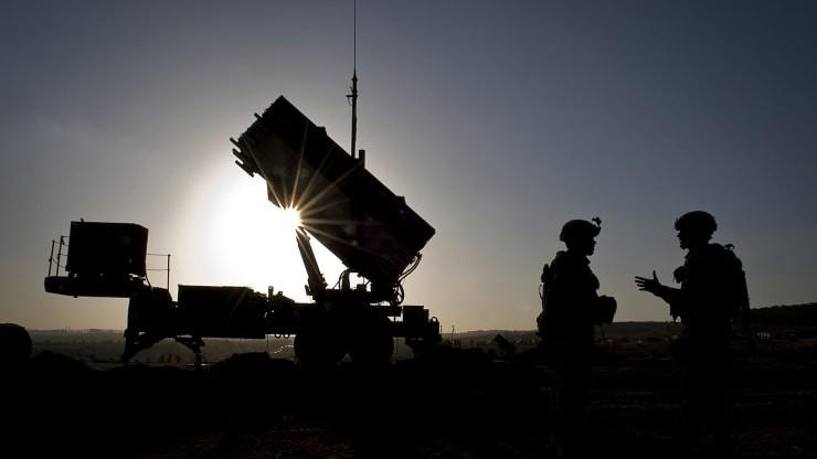 Mỹ triển khai tên lửa giúp Saudi Arabia phòng thủ trước Iran - ảnh 2