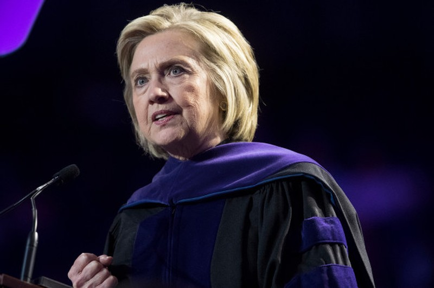 Vụ bê bối thư điện tử của bà Clinton lại bị điều tra - ảnh 1