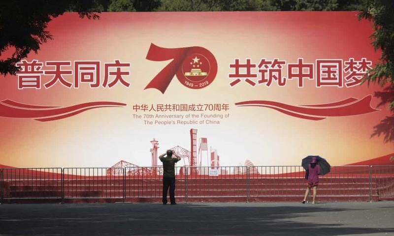 Hong Kong: Biểu tình rầm rộ trước thềm quốc khánh Trung Quốc - ảnh 2