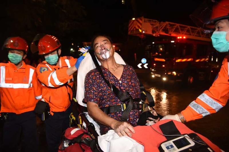 Hong Kong: Cháy chung cư cao tầng, 1 phụ nữ thiệt mạng - ảnh 1