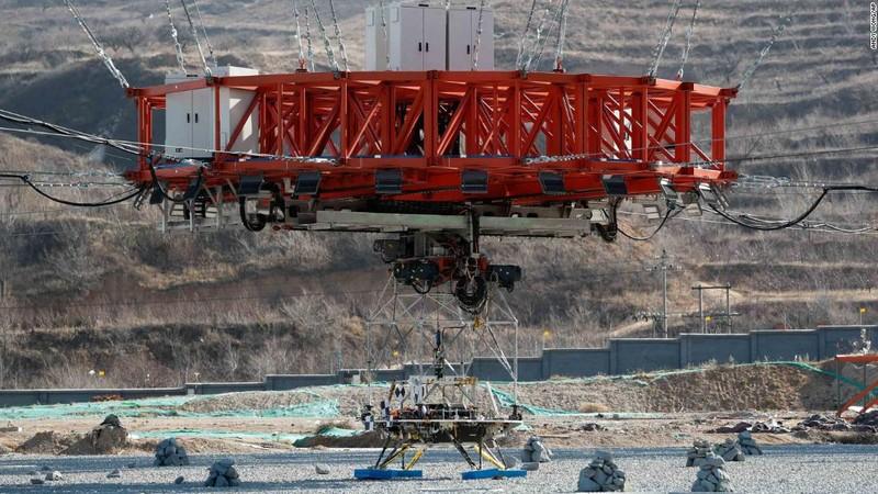 Trung Quốc thử nghiệm thành công tàu đổ bộ thám hiểm sao Hỏa - ảnh 1