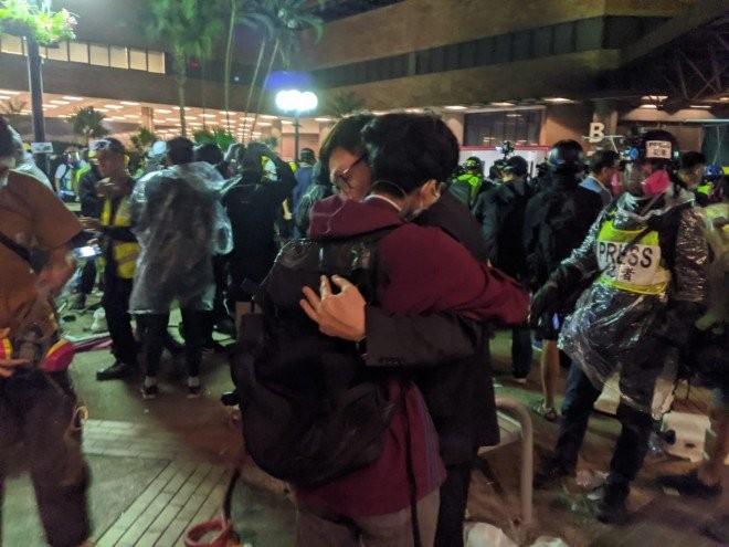 Hong Kong: Cảnh sát đồng ý không bắt giữ người dưới 16 tuổi - ảnh 1