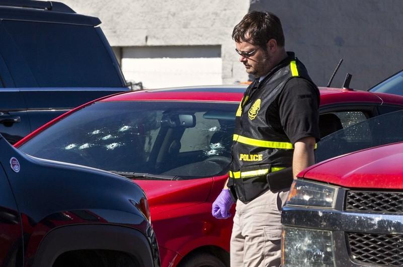 Lại xảy ra nổ súng kinh hoàng tại Siêu thị Walmart ở Mỹ - ảnh 2