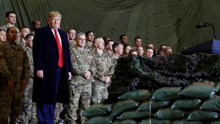 Ông Trump: 'Chúng tôi đang nói chuyện với Taliban' - ảnh 1