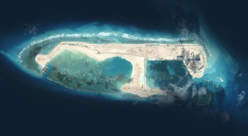 Biển Đông: Đảo nhân tạo phi pháp của Trung Quốc sắp chìm?  - ảnh 1
