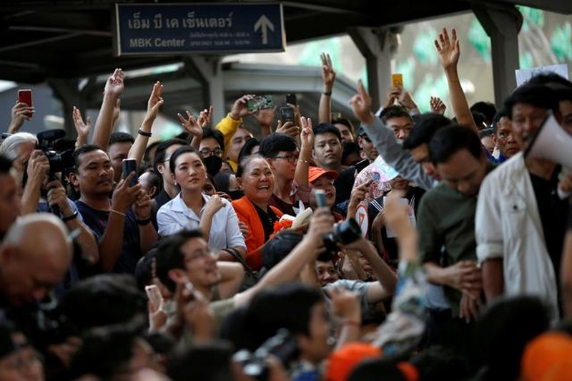 Người dân Thái Lan tổ chức biểu tình lớn nhất từ năm 2014 - ảnh 8
